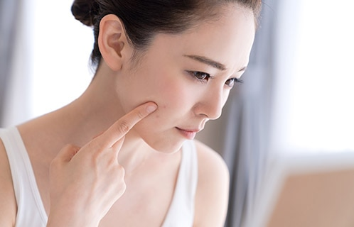乾燥肌にさようなら!肌をうるおす化粧水の選び方とは?