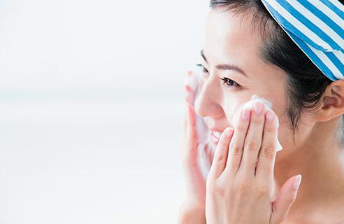 顔が乾燥肌になる原因に!あなたのクレンジングの仕方と洗顔は大丈夫?