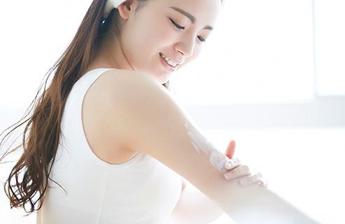 身体の乾燥対策に!ボディクリームの効果や適切な使い方は?