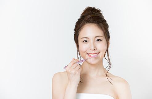 オーガニックの歯磨き粉の特徴とは?一般的な歯磨き粉との違いやおすすめの理由