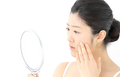 乾燥肌なら顔にも対策が必要!適切で効果的な対策方法を知ろう