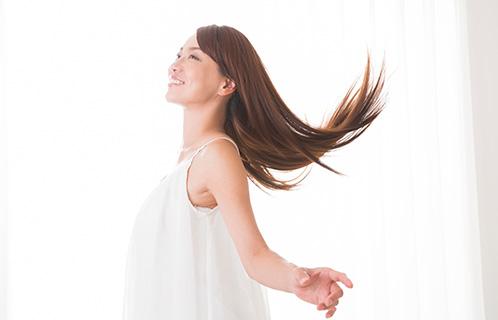 髪のパサつきが気になる?コンディショナーの役割と使い方
